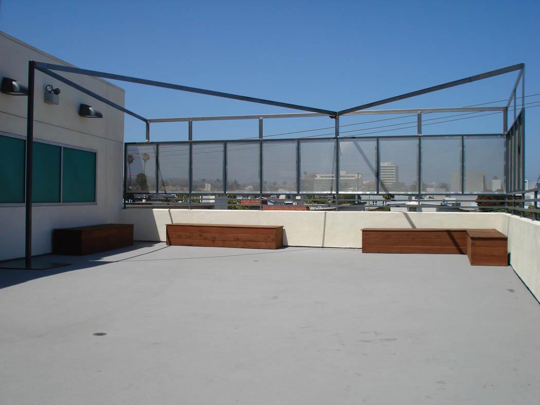 Rooftop Wind Screen